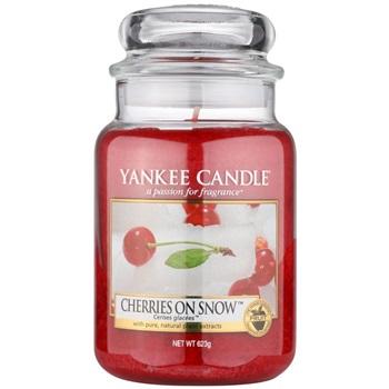 Yankee Candle Cherries on Snow vonná svíčka 623 g Classic velká