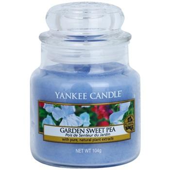 Yankee Candle Garden Sweet Pea vonná svíčka 104 g Classic malá